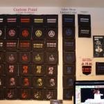桃太郎ジーンズ(バックポケット)のオーダーペイント ~ 重ねペイントのサンプルと各店限定カラーのこと